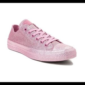 Pink glitter converse Chuck Taylor low tops size 9